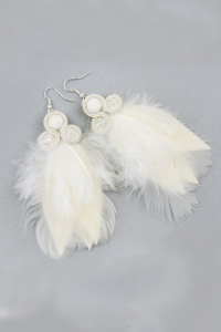 Earrings with feathers. Ecru