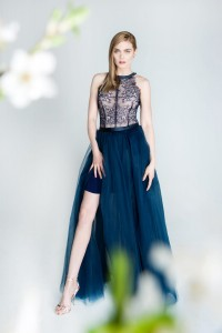 Tulle skirt with slit. Navy blue