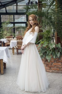 Tulle wedding skirt with a circle of beige