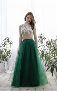 botlle-green tulle maxi skirt with train