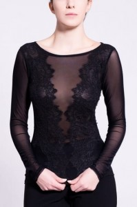 B084 elastic blouse with lace
