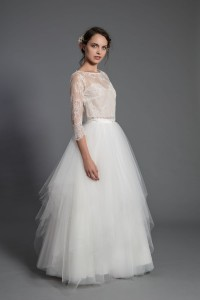 S086 Multi-layered tulle skirt. Ecru.
