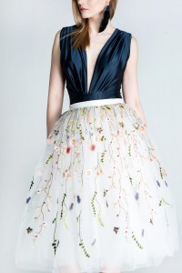 Voluminous tulle skirt with floral embroidery